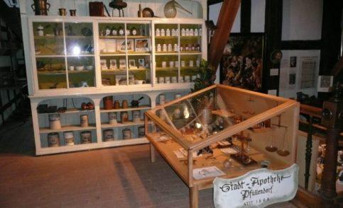 Pfullendorfer Heimatmuseum mit echter Apotheke (Bindhaus